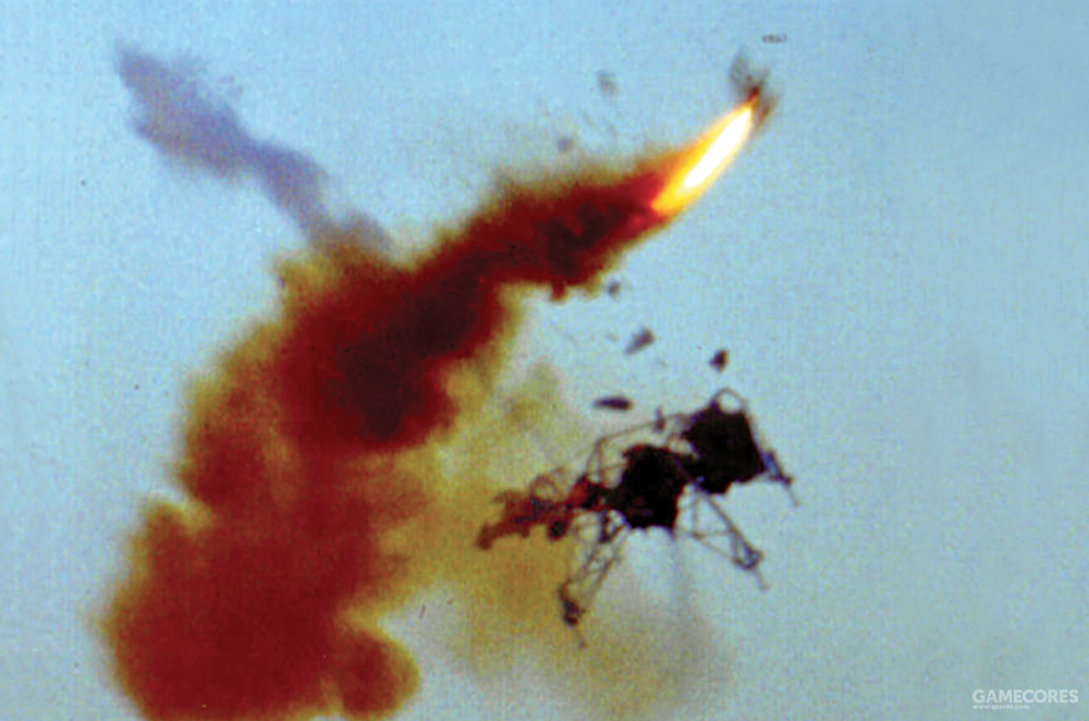 阿姆斯特朗遭遇的飞行训练事故,他从飞行器上成功弹射逃生