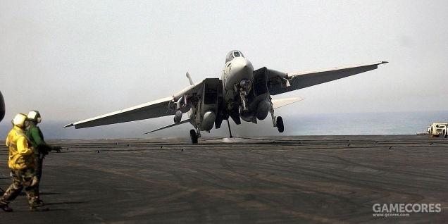 晃动着降落的F-14