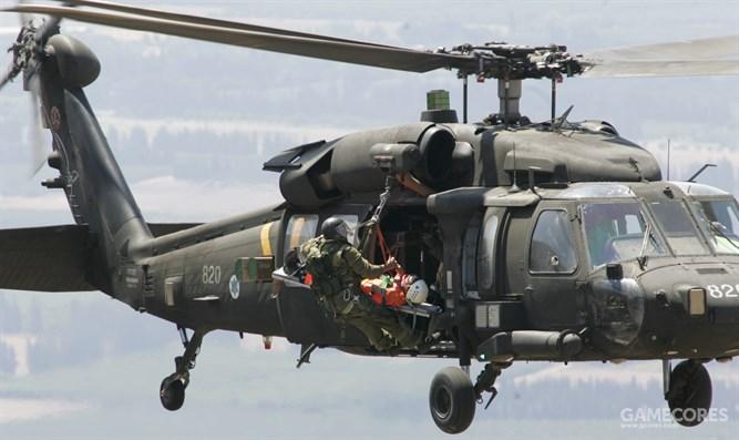 训练中的669中队S-70
