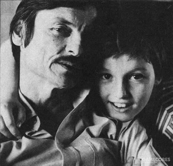 已成为国际知名导演的塔可夫斯基和其子小安德烈·塔可夫斯基