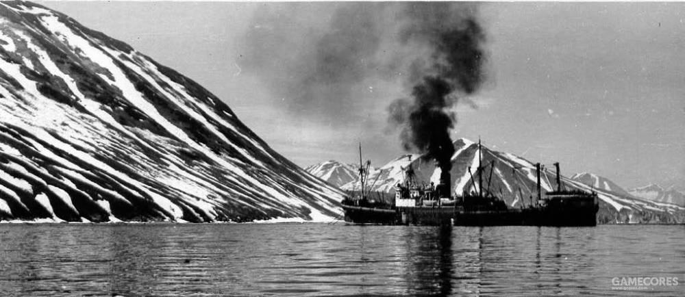 """""""阿留申""""号在冰冷的堪察加海域徘徊,1957年"""
