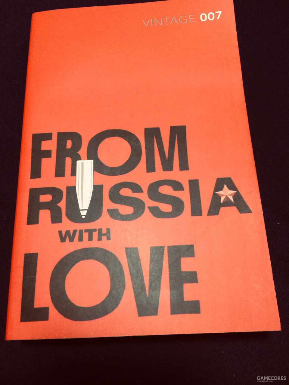 """《俄罗斯之恋》是我唯一一本007原文小说,标题直译是""""来自俄罗斯的爱情"""""""