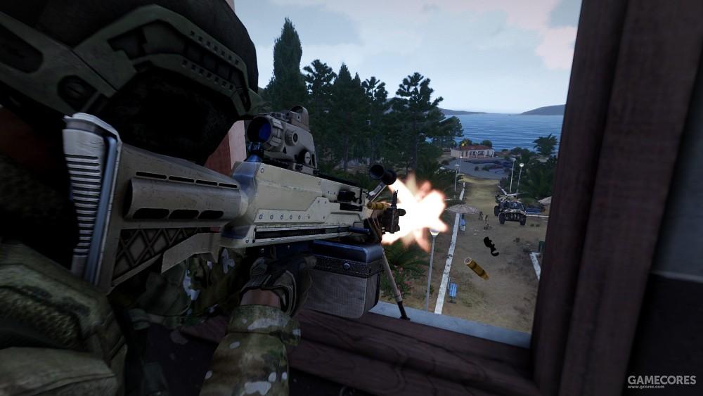 使用SPMG射击的机枪手