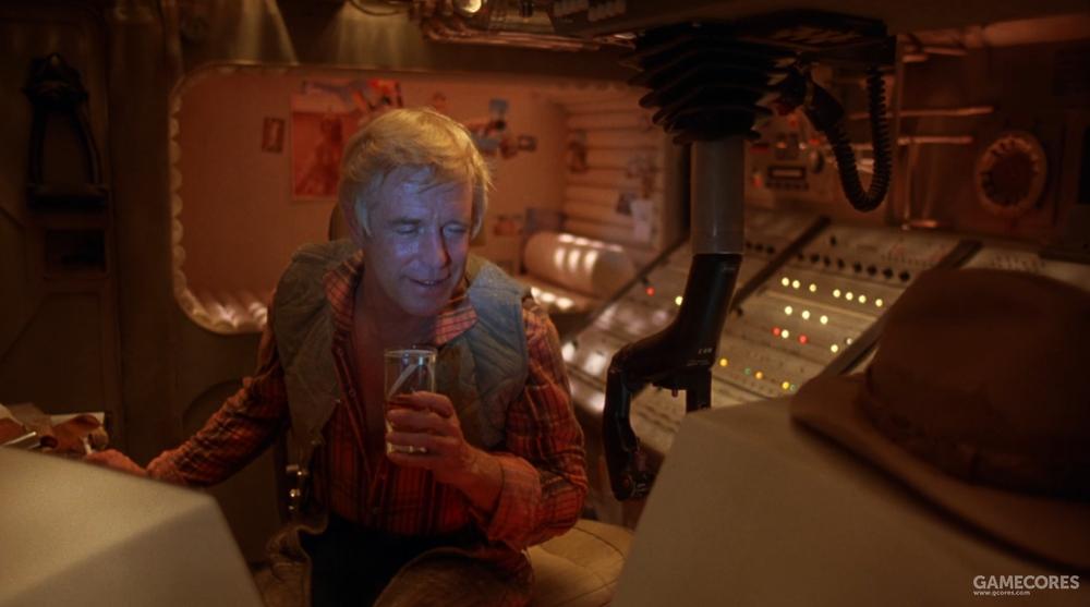 """酒杯从不离手的""""太空牛仔"""""""