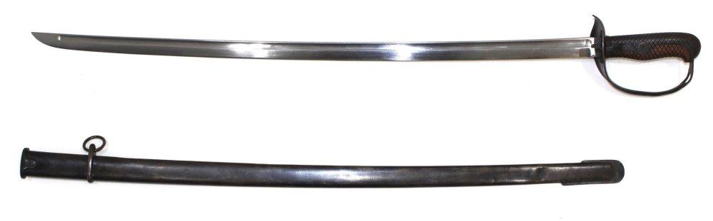 日本32式骑兵刀,19世纪末开始列装生产。这种刀一直生产到了1945年,后面还会继续讲到