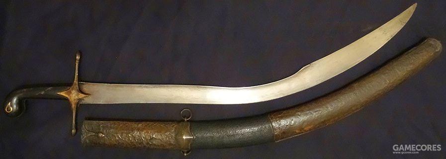 其原型应该是这种19世纪的土耳其弯刀,即使是20世纪,西方军队有时也会在战场上遇见这类刀剑
