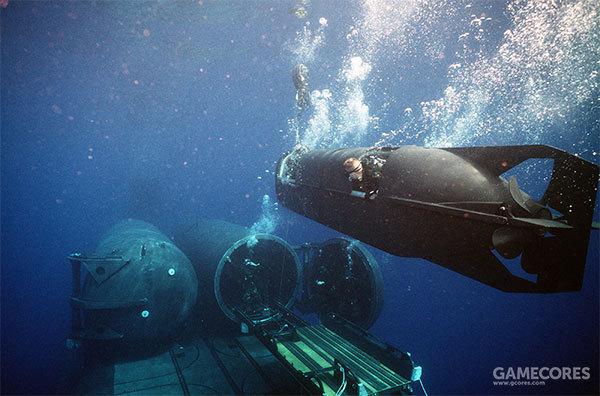 现实中的SDV正在离开潜艇的干坞掩蔽体