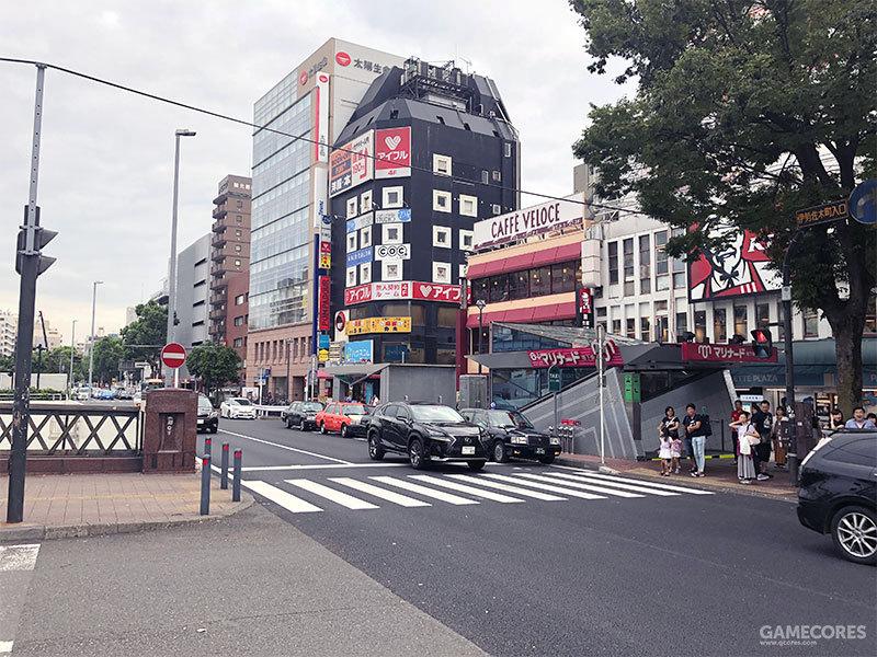 伊势佐木町正门的左侧