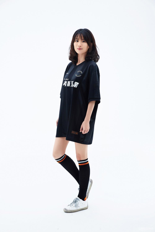 Ami(西蒙发小):158 cm/43kg 身着 L 码