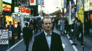 《迷失东京》:尽管身边环绕着无数人,我仍然感到无比孤单