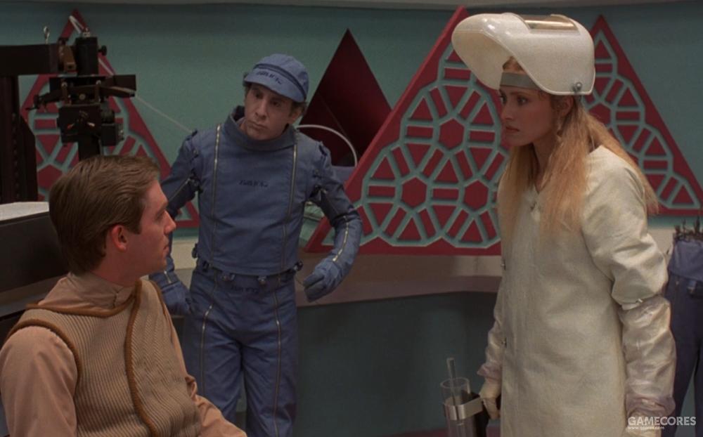 沙德和纳妮莉亚,旁边为一台仿生机器人