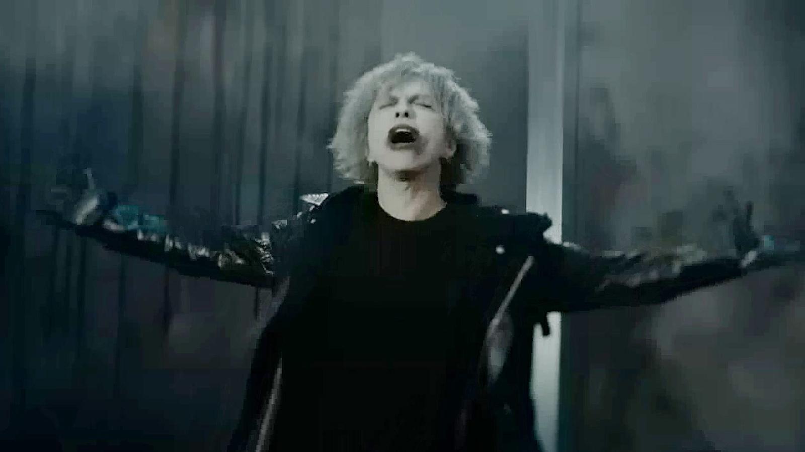 由日本人氣歌手HYDE拍攝的這段《鬼泣5》的宣傳片,完全可以當做MV來看了