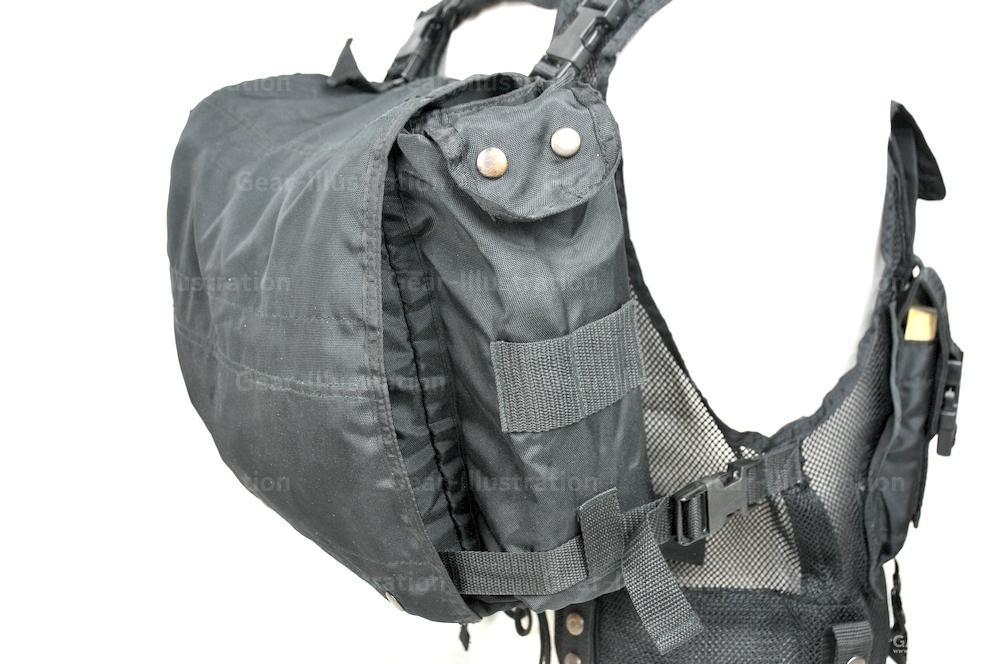 这个背包是有盖子的