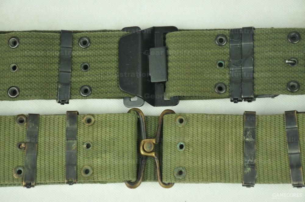 M-1956 LCE装具腰带:早期横纹版和后期竖纹版。照片上的横纹版配用戴维斯快开扣
