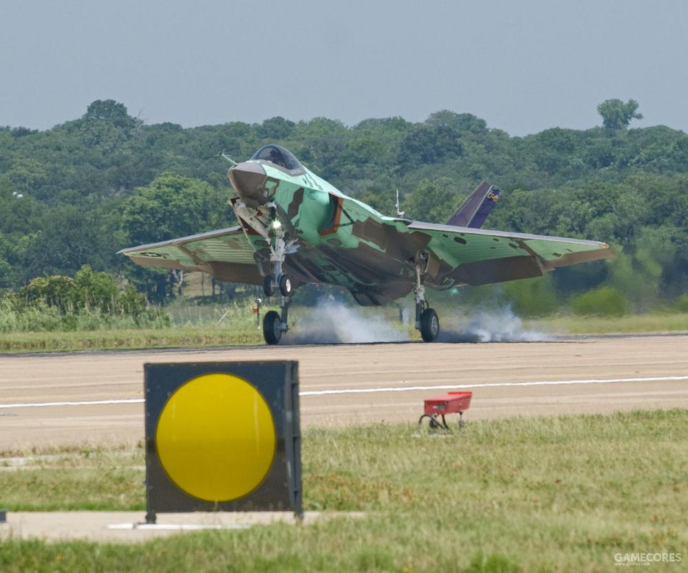 现实中试飞的CF-01