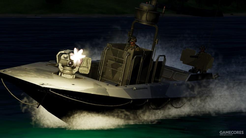 夜间突袭的军用快艇