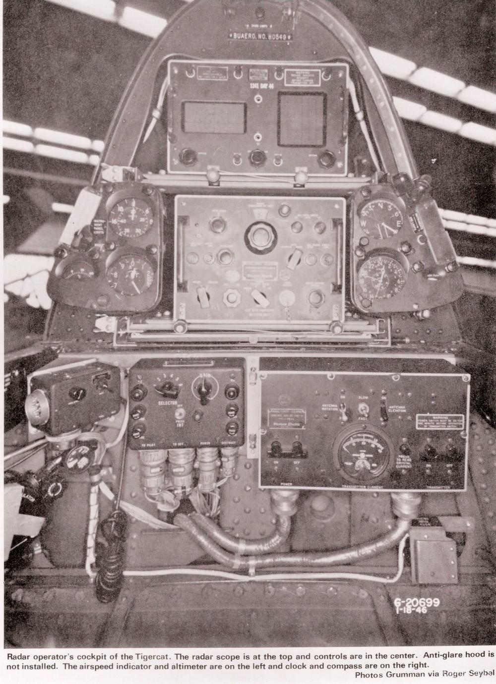 F7F-3N的雷达控制面板,由雷达操作员控制